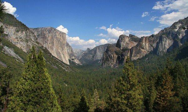 1024px-YosemitePark2_amk