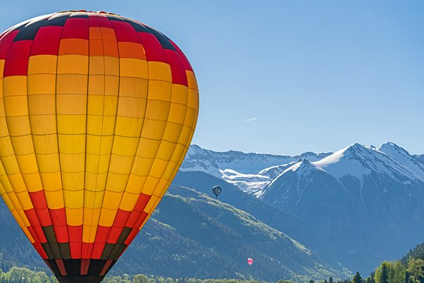 up up and away telluride balloon festival telluride magazine telluride magazine